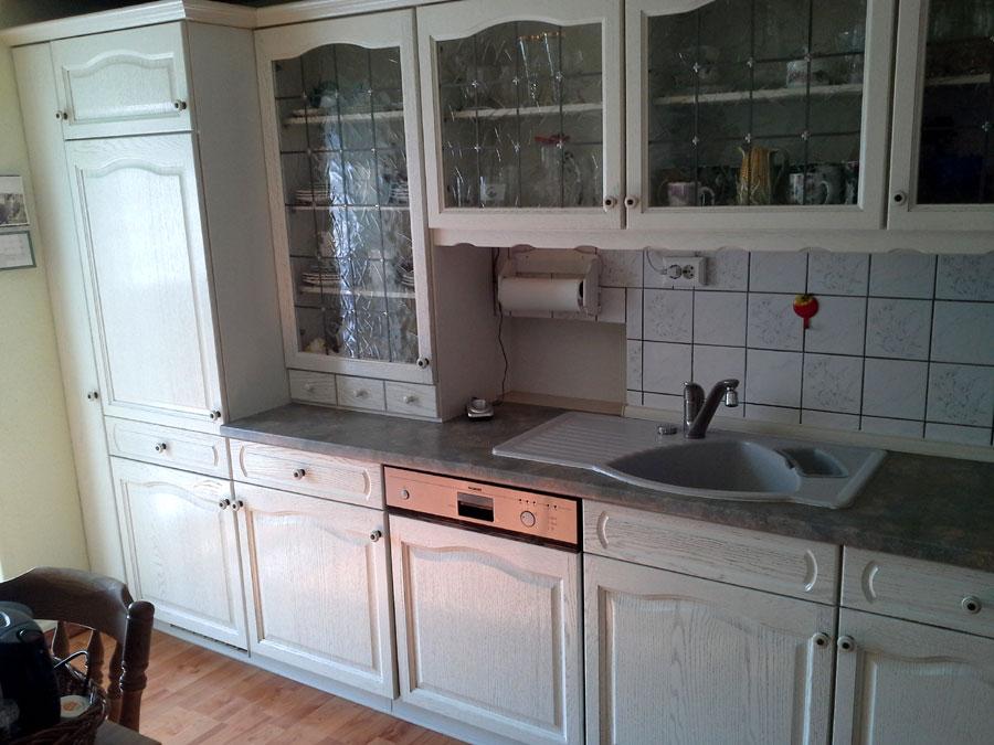 einbauk che landhaus wei interessante. Black Bedroom Furniture Sets. Home Design Ideas