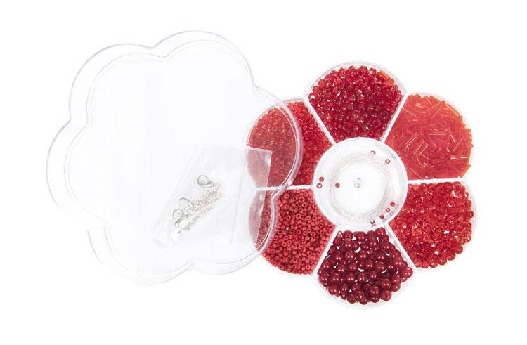 Rote Perlen in Blumenbox